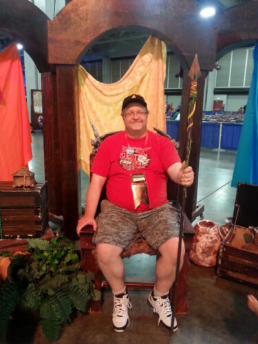 Fantasy Con 2014 throne