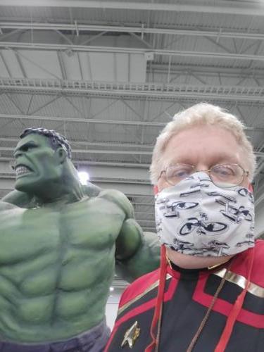 Hulk statue at FanX 2021